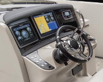Pontoon Boat Touch Screen Dashboard Controls